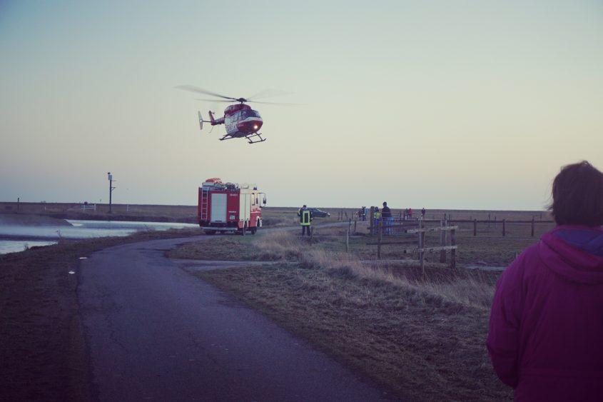 Rettungshelikopter auf Hooge